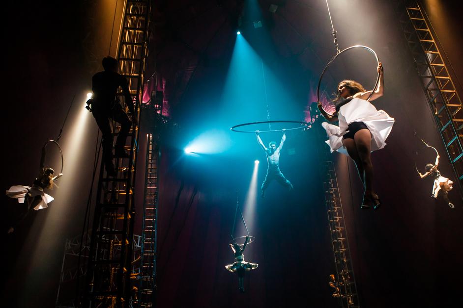 Nofit State Circus: Bianco - Photo: Richard Davenport