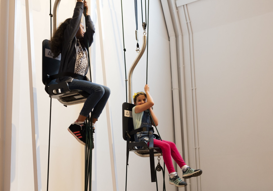 Wonderlab: The Statoil Gallery - Pulley Up exhibit in action. Plastiques Photography