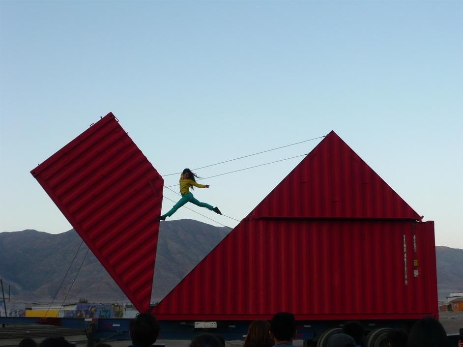 Dance Umbrella - Origami, image: Karine de Barbarin
