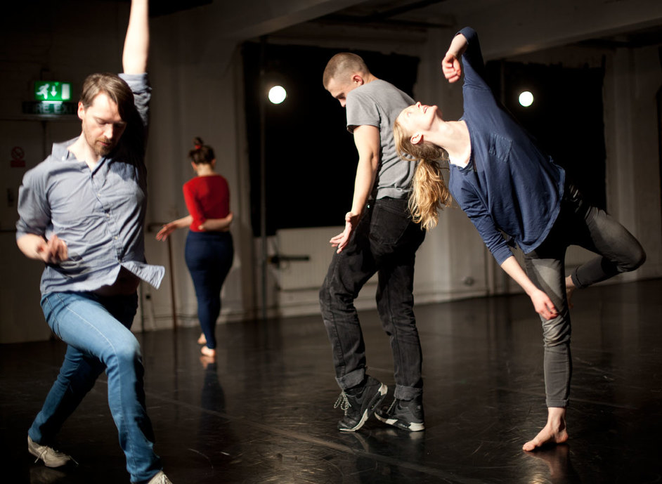 Joe Moran / Dance Art Foundation: On The Habit Of Being Oneself - Joe Moran Dance Art Foundation. Photo by Jesus Ubera