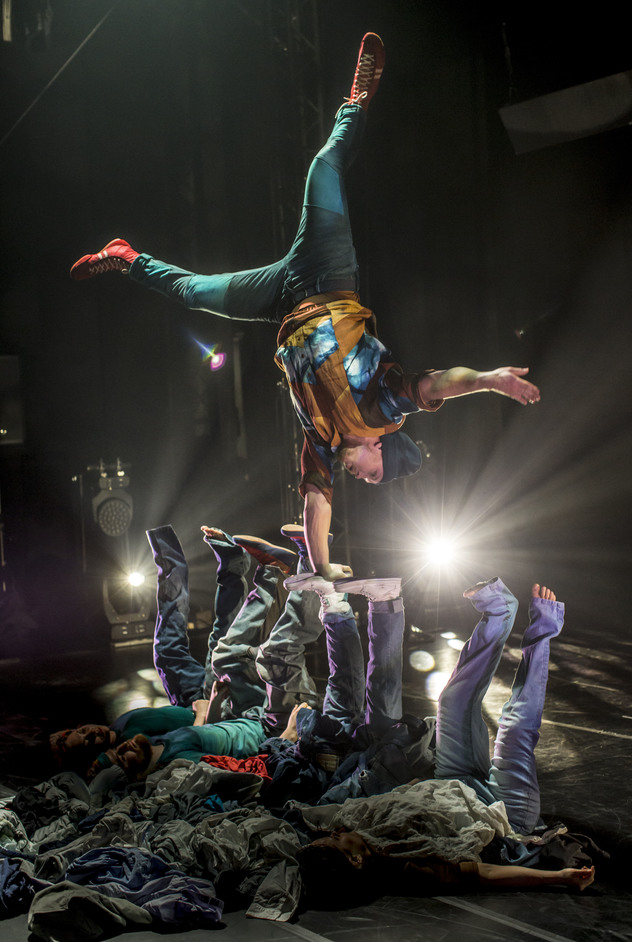 Cirkus Cirkor: Limits - Cirkus Cirkor, Limits. Photo: Mats Backer