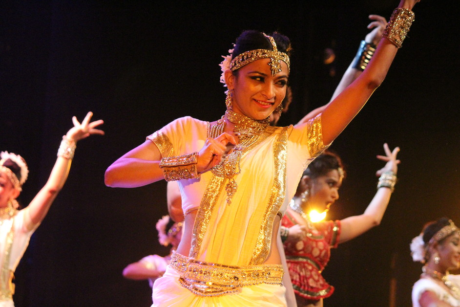 Taj Express - Photo by QUINTESSENCE ENTERTAINMENT