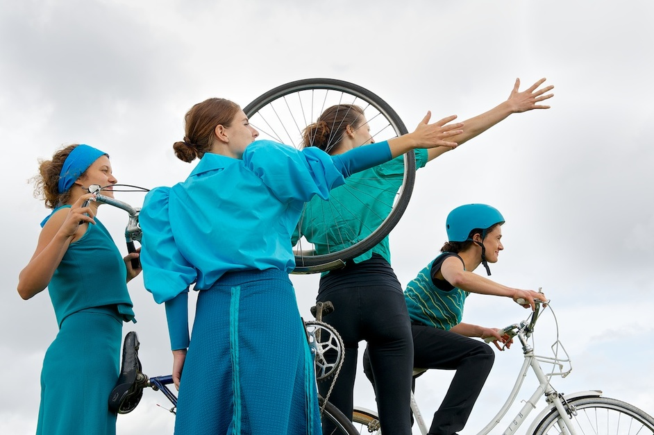 Wandsworth Arts Fringe - Blazing Saddles, The Bicycle Ballet Co (c) Raysto Images