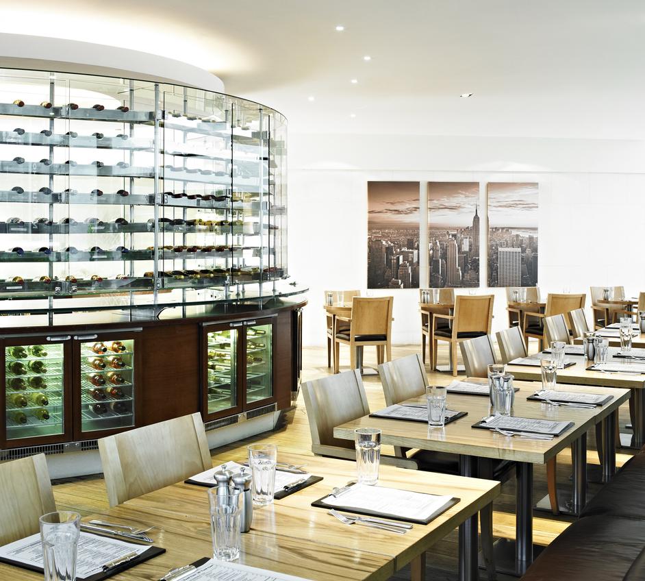 Cast Iron Bar & Grill - Marriott Hotel Kensington