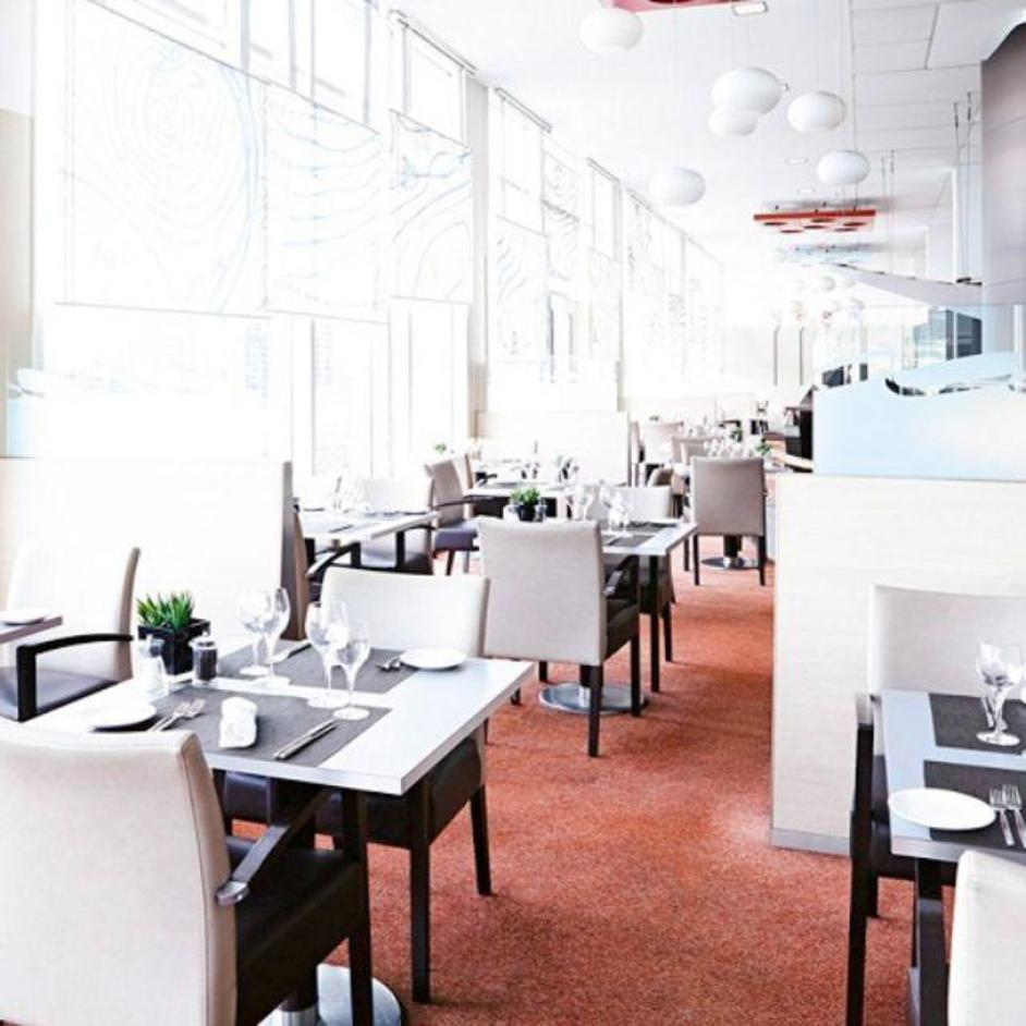 Upper Deck Restaurant