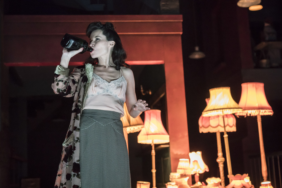Absolute Hell - Kate Fleetwood as Christine,  Absolute Hell, photo: (c) Johan Persson