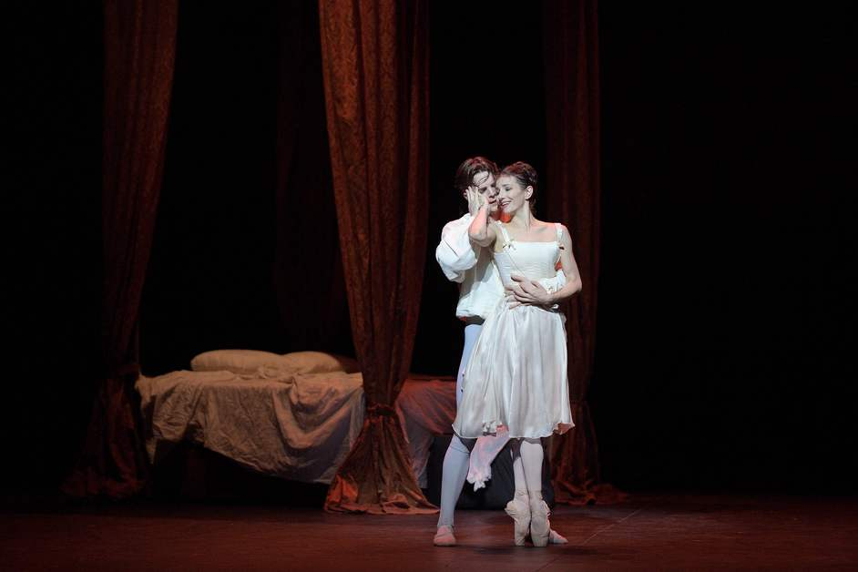 English National Ballet: Manon - Alina Cojocaru and Joseph Caley in Manon, photo (c) Laurent Liotardo
