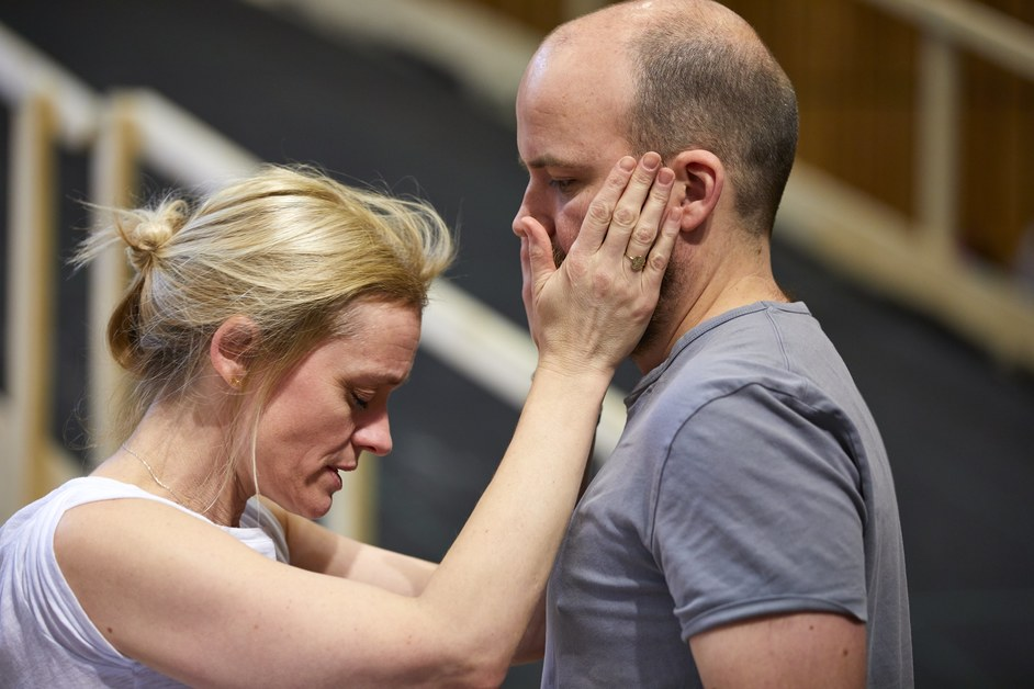 Macbeth - Anne-Marie Duff as Lady Macbeth and Rory Kinnear as Macbeth in rehearsal at the National Theatre. Photo (c) Brinkhoff and Moegenburg