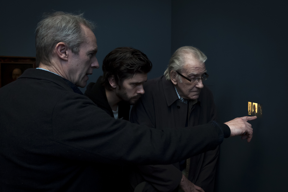 Tacita Dean: Portrait - Stephen Dillane, Ben Whishaw and David Warner viewing His Picture in Little, 2017 by Tacita Dean at the National Portrait Gallery, photo: Jorge Herrera