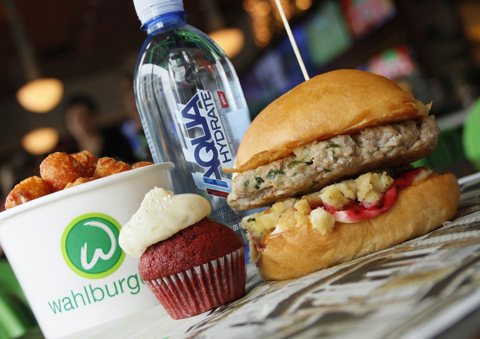 Wahlburgers - Mark's Choice, Thanksgiving Day Burger