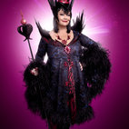 Snow White at the London Palladium hotels title=