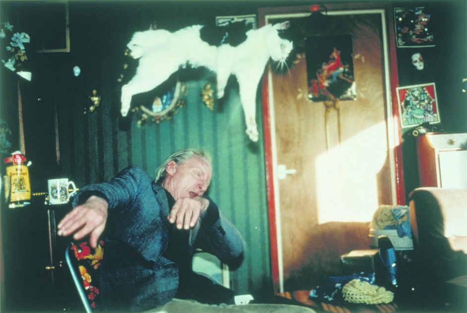 Black Mirror - Richard Billingham, Untitled (RAL 28), 1994 © Richard Billingham, image courtesy of the Saatchi Gallery, London