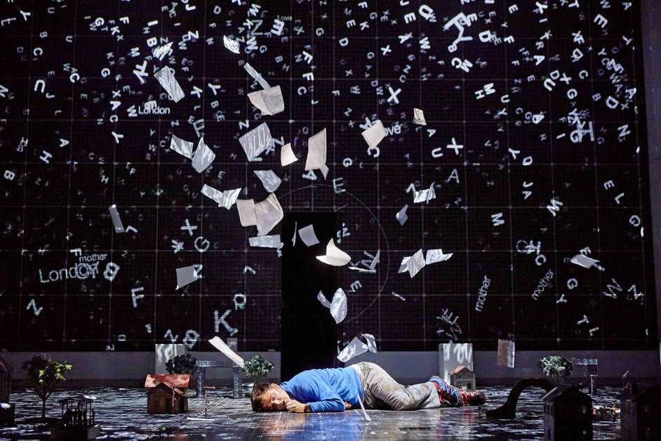 The Curious Incident Of The Dog In The Night-Time - Photo: Brinkhoff/Mogenburg