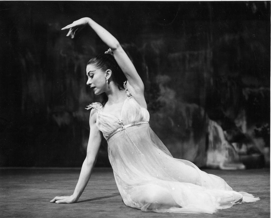 Margot Fonteyn: A Celebration - Margot Fonteyn as Ondine, 1958. Photo: Roger Wood