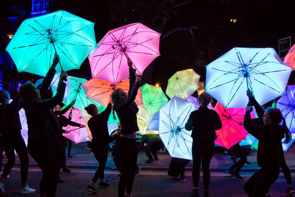 Wandsworth Arts Fringe - Cirque Bijou - Umbrella project - Gravity Fields