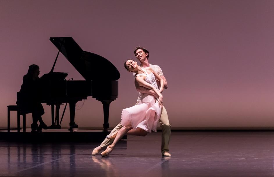 Astana Ballet - Astana Ballet - Dilara Shomayeva, David Jonathan in 'Love Fear Loss' photo: Askhat Nurekin