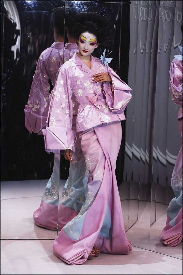Kimono: Kyoto to Catwalk - Christian Dior, Haute Couture Spring-Summer 2007 © Getty Images