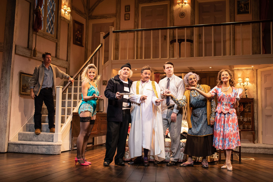 Noises Off - Noises Off, Garrick Theatre, photo: Helen Maybanks