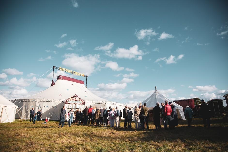 Giffords Circus: The Hooley - photo: Gem Hall