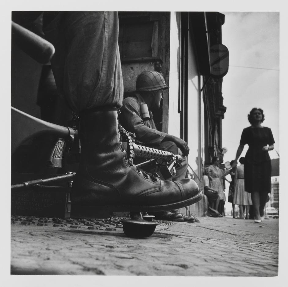 Don McCullin - Don McCullin - Near Checkpoint Charlie, Berlin 1961