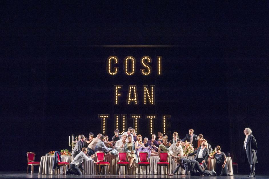The Royal Opera: Cosi Fan Tutte - Cosi fan tutte, Act II, The Royal Opera ©2016 ROH. Photo: Stephen Cummiskey.