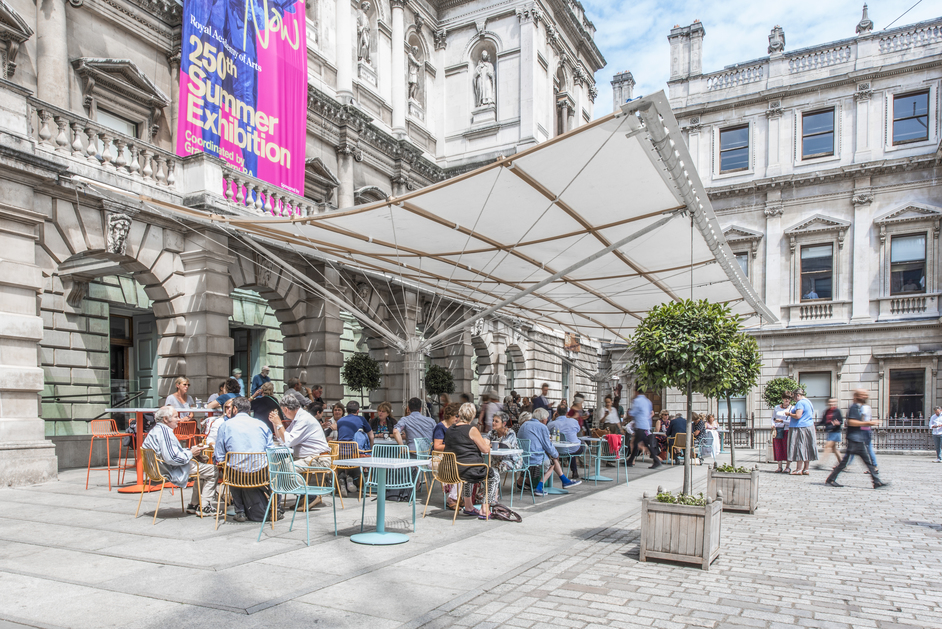 Royal Academy of Arts - Royal Academy of Arts courtyard cafe