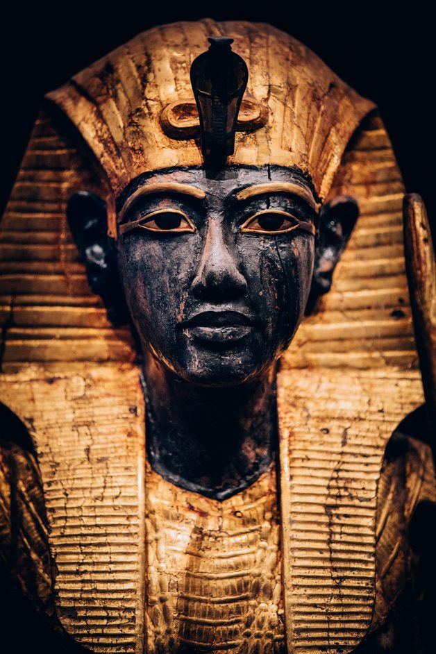 Tutankhamun: Treasures of the Golden Pharaoh - Statue Portrait - photo: IMG