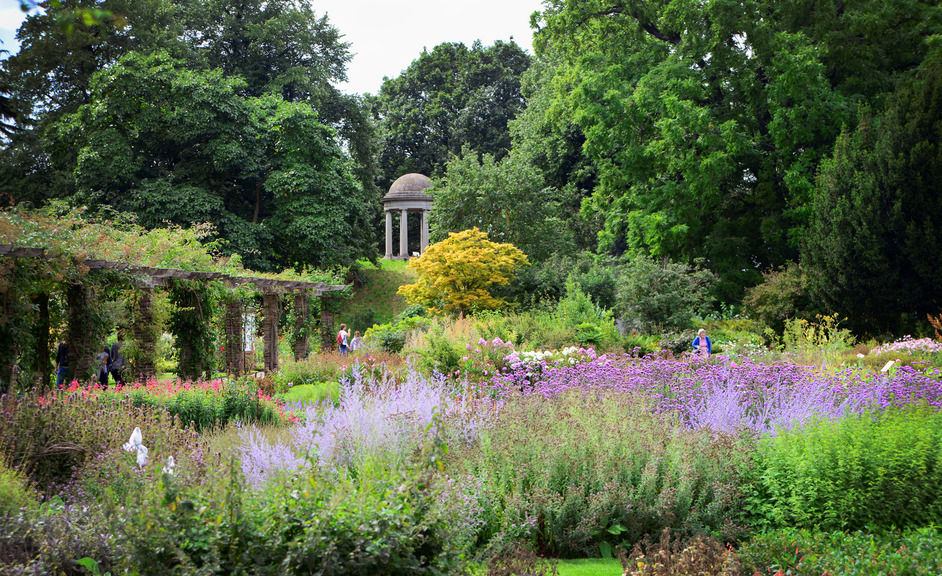 Kew Gardens (Royal Botanic Gardens) - Plant Family Beds and the Temple of Aeolus © RBG Kew