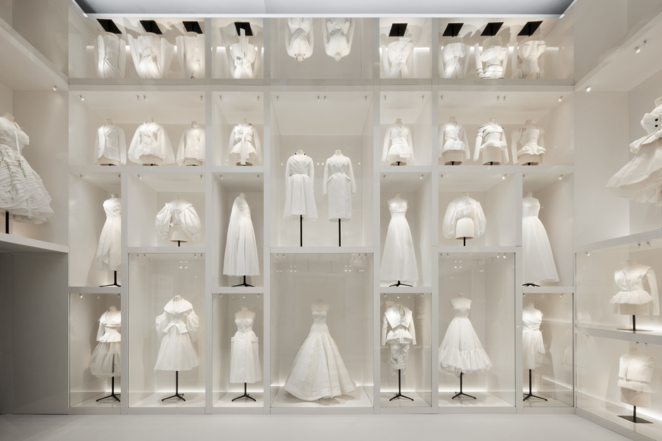 Christian Dior: Designer of Dreams - Christian Dior Designer of Dreams exhibition, V&A, photo © Adrien Dirand