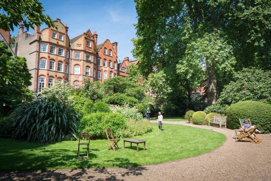 Open Garden Squares Weekend - Collingham Gardens © Diana Jarvis