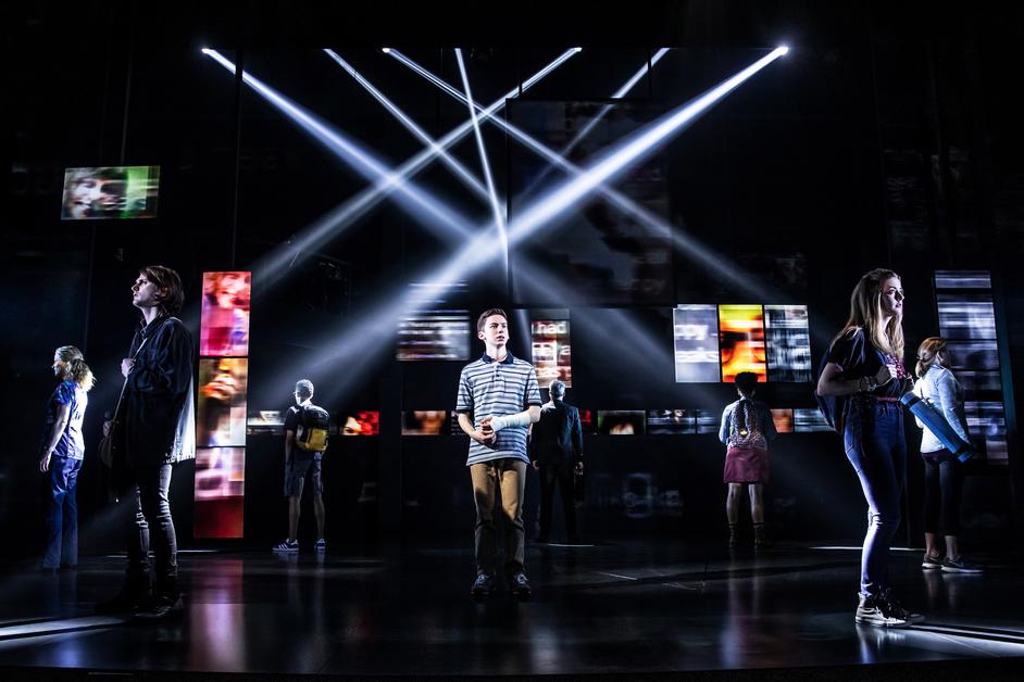 Dear Evan Hansen - The Broadway cast of Dear Evan Hansen 2019 - Photo: Matthew Murphy