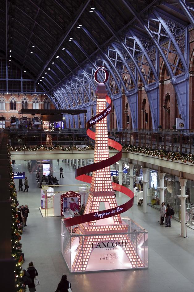 St Pancras International Christmas Tree