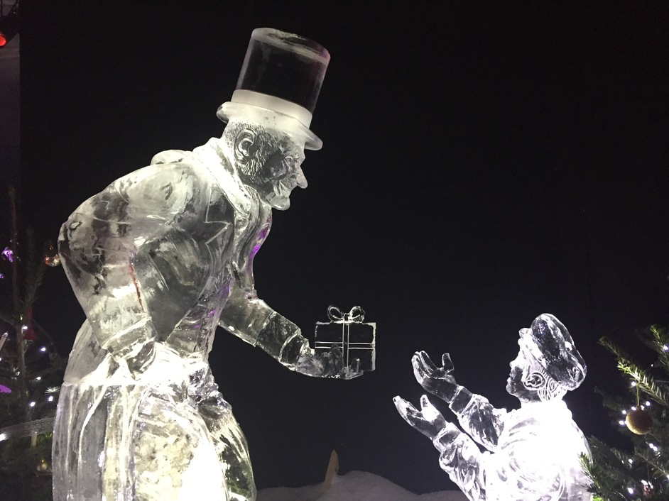 Winter Wonderland: Magical Ice Kingdom Presents A Christmas Carol