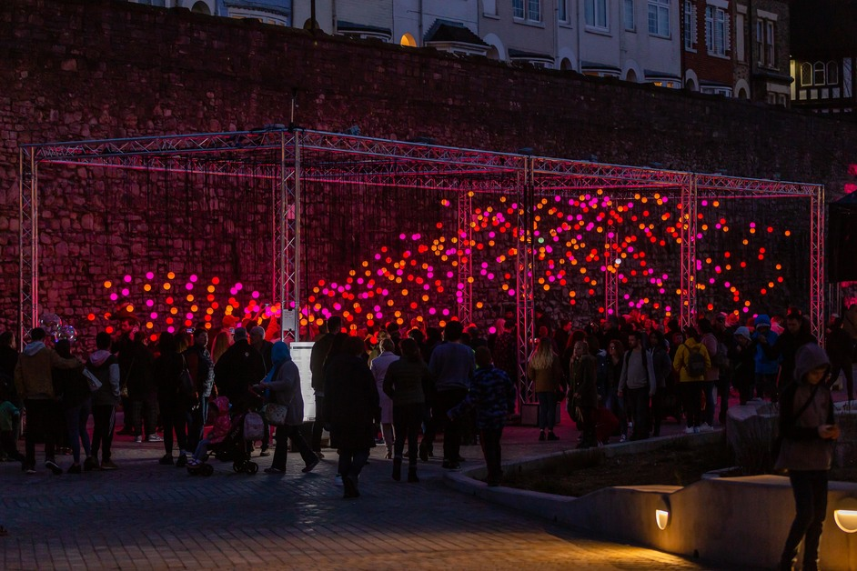 Eccleston Yards: Chromotherapy Christmas - Eccleston Yards - Wave Light Installation