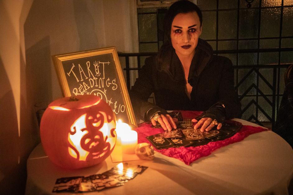 The Candlelight Club's Halloween Ball - photo: Clayton Hartley