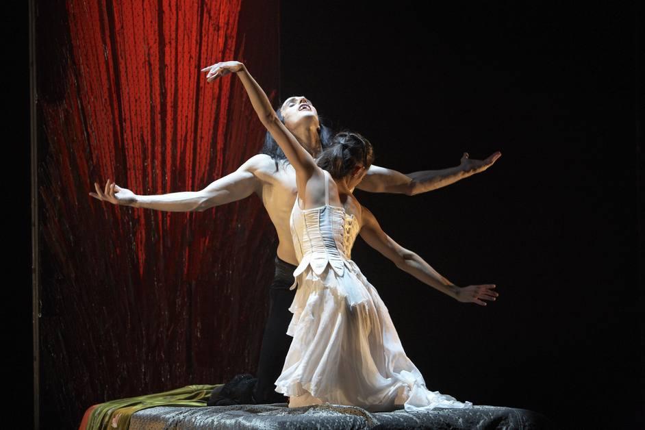 Northern Ballet: Dracula - Christopher Hinton-Lewis as Dracula and Martha Leebolt as Mina in Dracula. Photo: Merlin Hendy