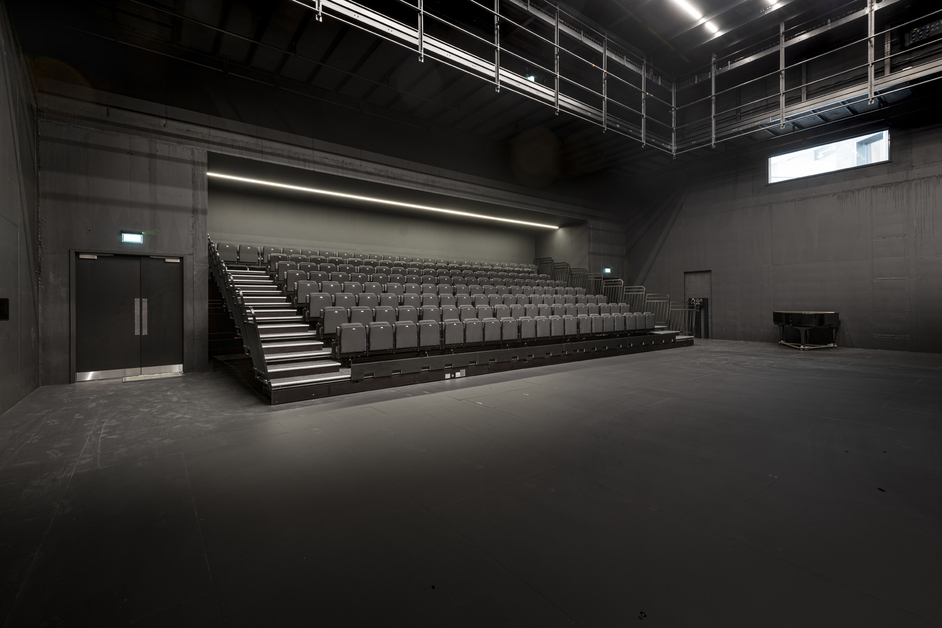 English National Ballet - photo: Michael Molloy