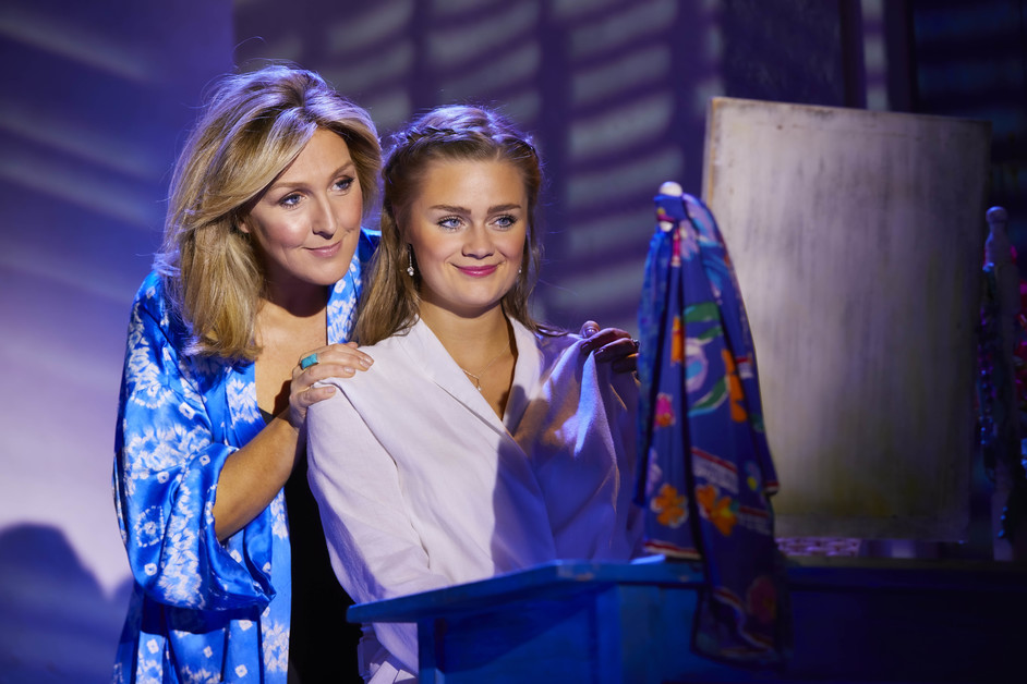 Mamma Mia! - Mazz Murray as Donna & Lucy May Barker as Sophie in MAMMA MIA! Photo: Brinkhoff & Mogenburg