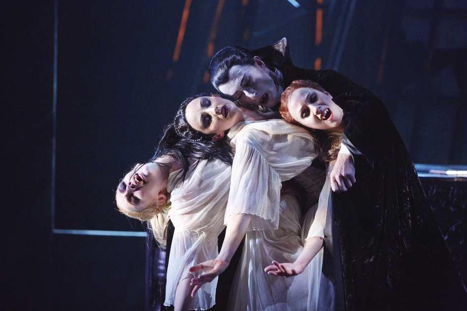 Northern Ballet: Dracula - Tobias Batley as Dracula and Jessica Morgan, Hannah Bateman and Antoinette Brooks-Daw as the Brides of Dracula in Northern Ballet's Dracula. Photo: Justin Slee