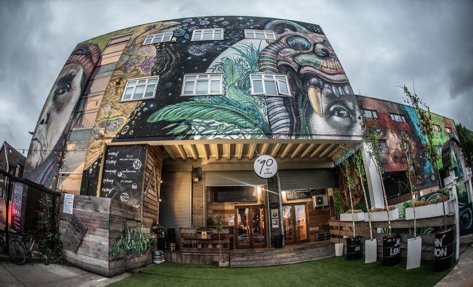 Number 90 Bar & Restaurant