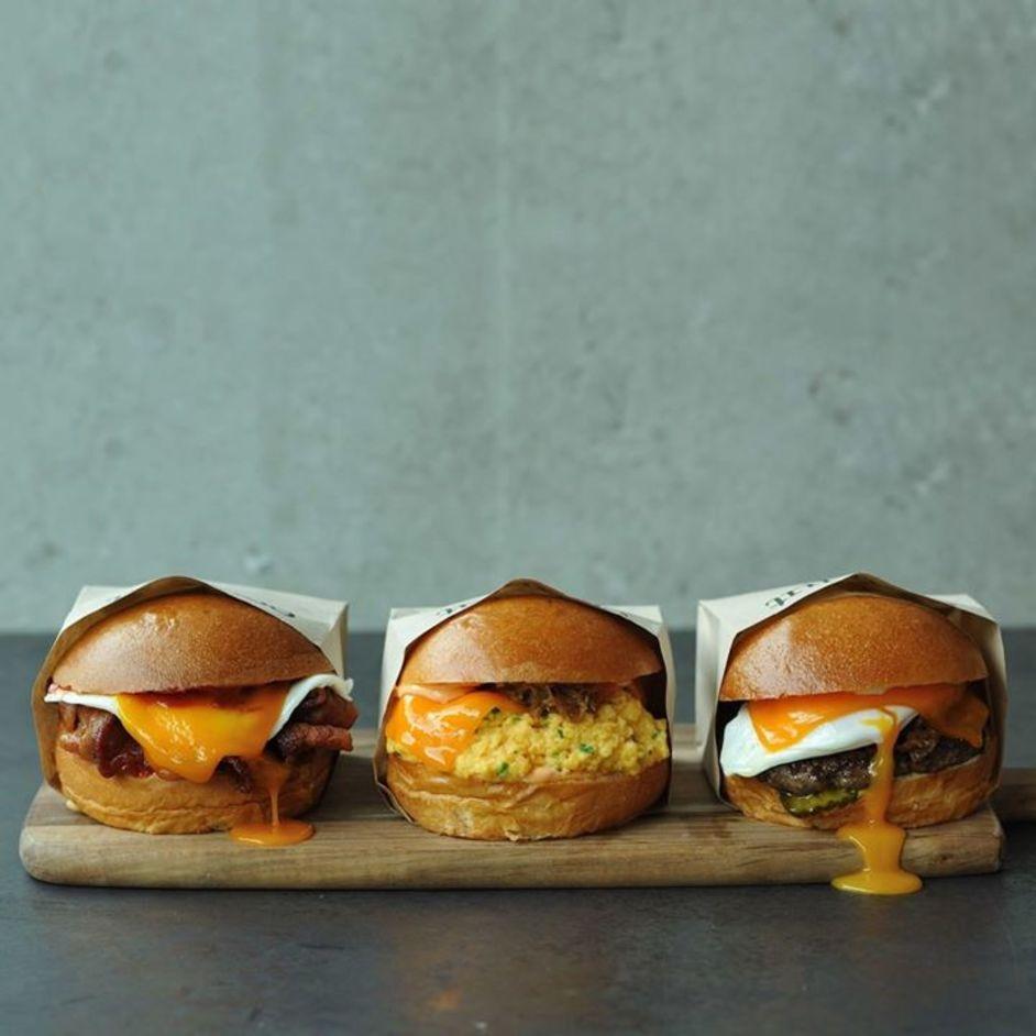 Eggslut Fitzrovia - Bacon, egg and cheese - Fairfax - Cheeseburger
